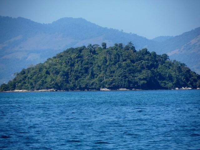 Inseln auf dem Weg zur Ilha Grande